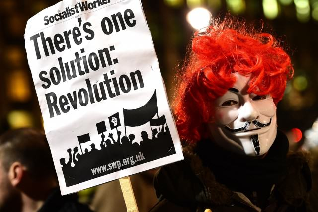 UNILAD PA 2138643985133 640x426 What Wouldve Happened If Guy Fawkes Had Blown Up The Houses Of Parliament?