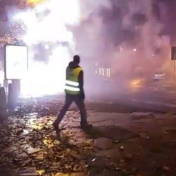 UNILAD RPY BANG 0891208 Footage Shows Street Turn Into War Zone By Dangerous Fireworks Display