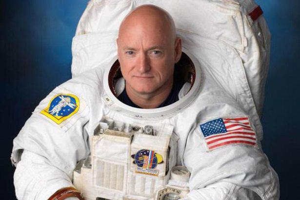 UNILAD Scott Kelly7979 The Internet Is Going Crazy After Spotting UFO In NASA Tweet