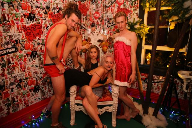 UNILAD Xmas party93879 640x426 How To Do Christmas On The Cheap