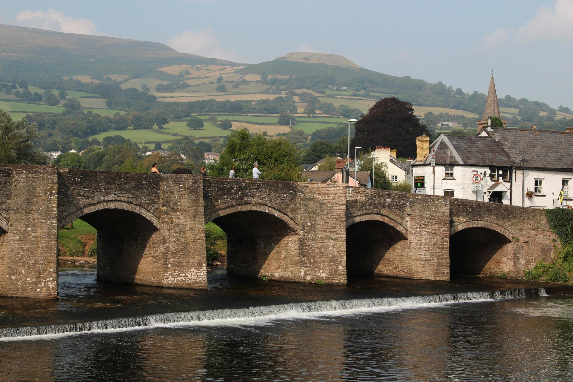 UNILAD background crickhowell bridge and table mountain crickhowell99381 Welsh Town Moving Businesses Offshore To Avoid Paying Tax