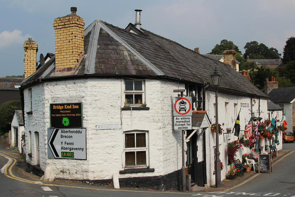 UNILAD bridge end inn crickhowell49970 Welsh Town Moving Businesses Offshore To Avoid Paying Tax