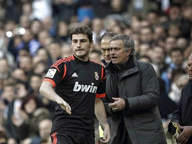 UNILAD jose iker1050 Jose Mourinho Is Chelseas Special One, And The Fans Know It