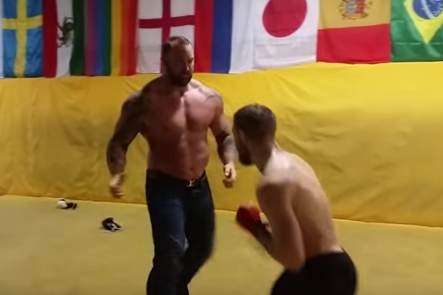 UNILAD mountain5776 640x426 Conor McGregor vs Hafthór Björnsson from Game of Thrones