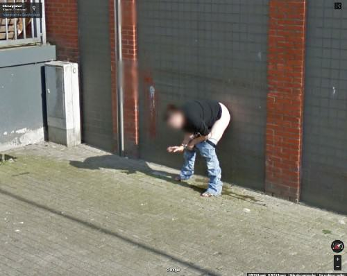 UNILAD woman peeing google 384394 This Woman Got Caught In A Very Compromising Position On Google Earth
