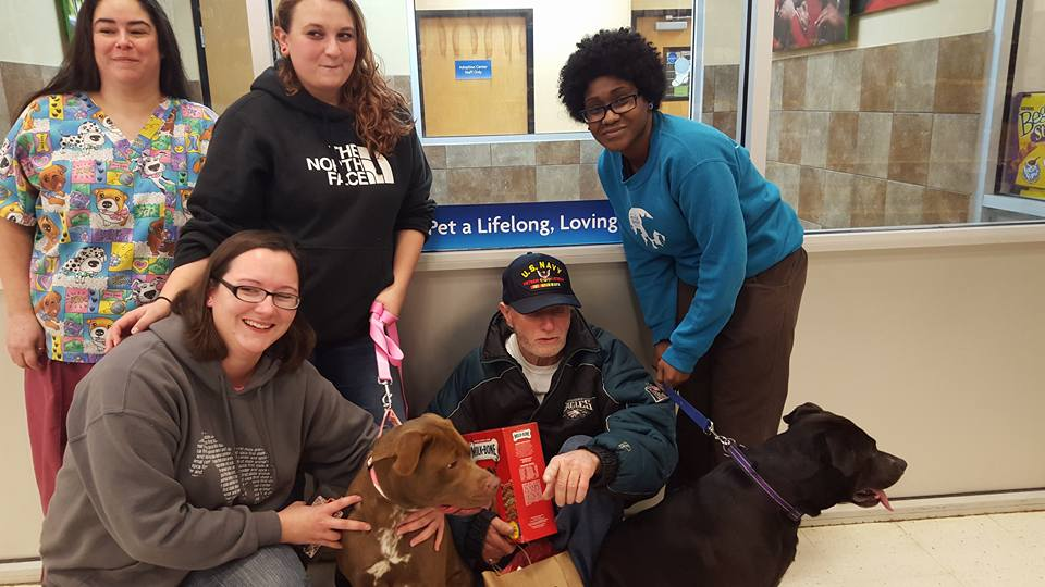 2 6 Veteran Has Dogs Returned Thanks To An Act Of Christmas Generosity