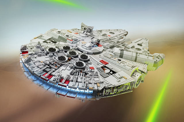 23325263653 190a3f7efd z Check Out This Amazingly Detailed Lego Millennium Falcon