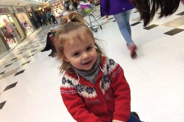Alexis Corry Lad Gives Little Girl Money, Makes Family Have Their Best Christmas Ever