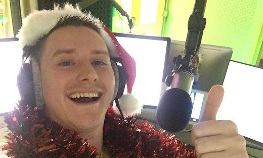 Radio DJ Barricades Himself In Studio, Plays Last Christmas 24 Times In Row Antenne