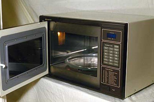 Microwave pic Rex Features 764954600 Christmas Food Hacks That Will Impress Your Mates And Family
