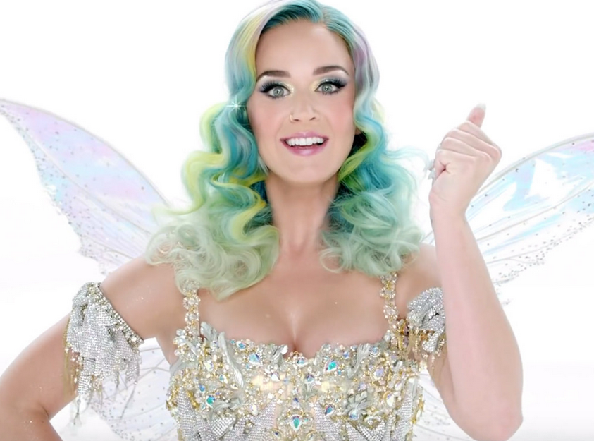 Katy Perry Makes Christmas Wish Of Young Burn Victim Come True Screen Shot 2015 12 28 at 11.09.43