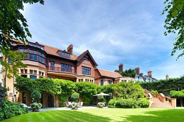 This Seven Bedroom Home Costs An Unbelievable £46.5 Million house11