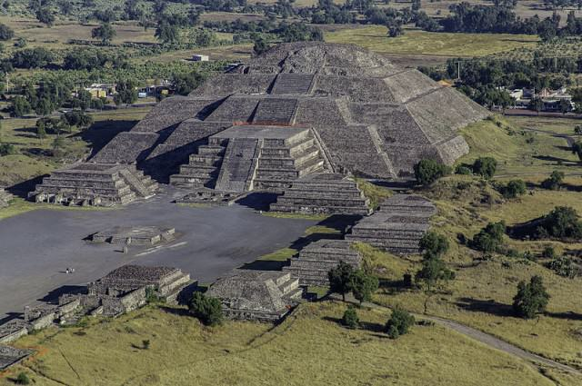 teotihuacan Remains Of Captive Animals Who Ate Humans Found In Mexican Pyramid