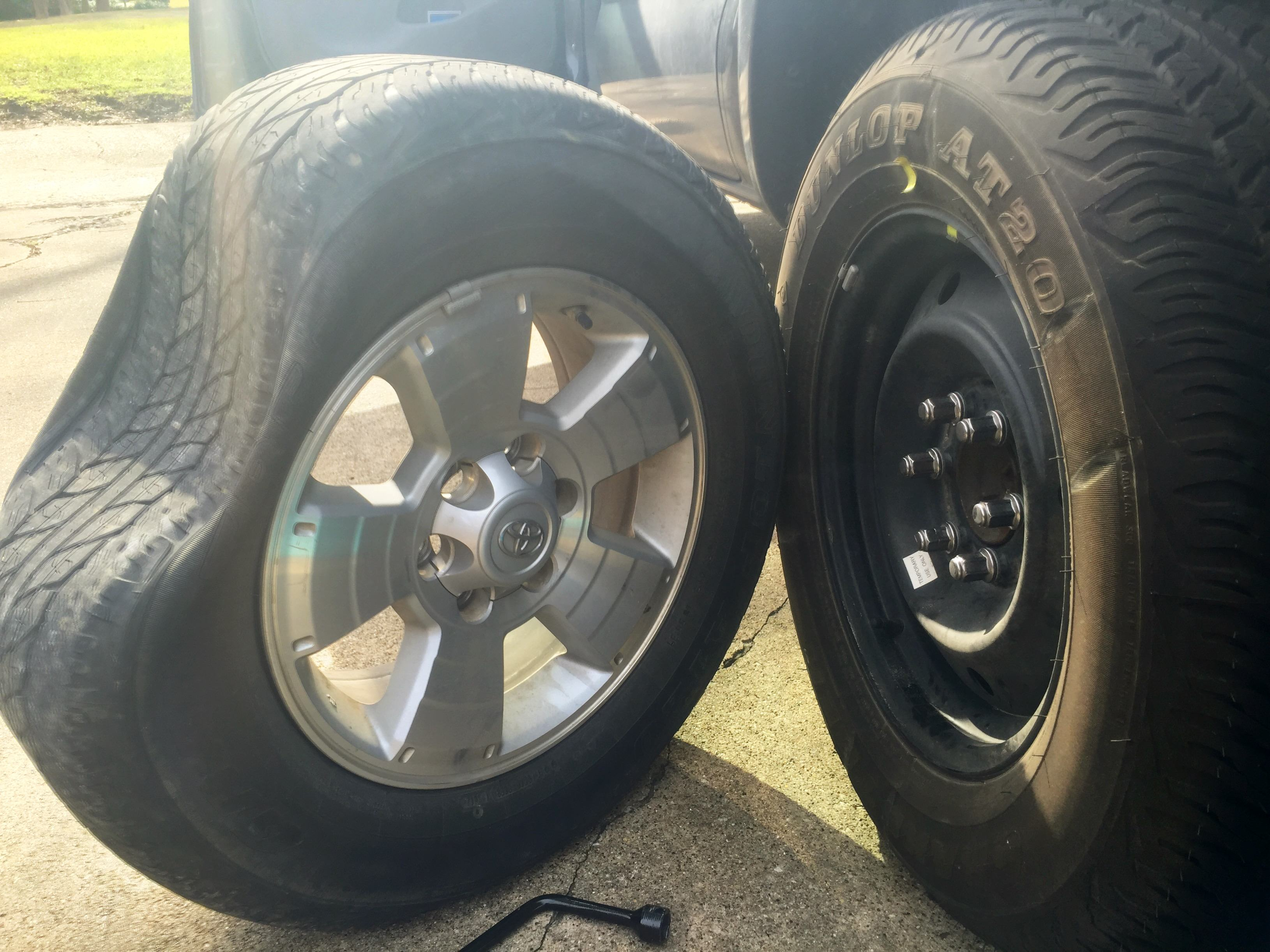 Guy Gets Flat Tire, Takes Opportunity To Troll The Sh*t Out Of His Mates 3