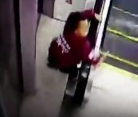 Screen Shot 2016 01 09 at 10.22.40 1 Boy Rescued Just In Time After Trapping His Head In Escalator Handrail