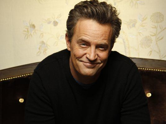 chandler5 Matthew Perry Doesnt Remember Three Years Of Friends, Wont Rule Out Reunion