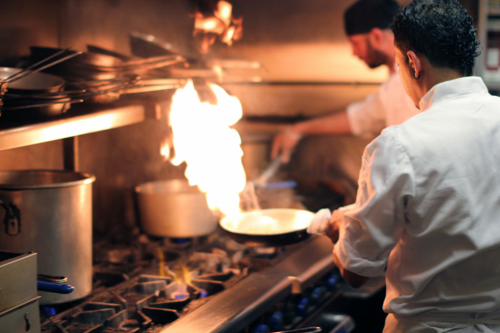 These Horrific Kitchen Accidents Will Put You Off Eating For The Day chefs1 1