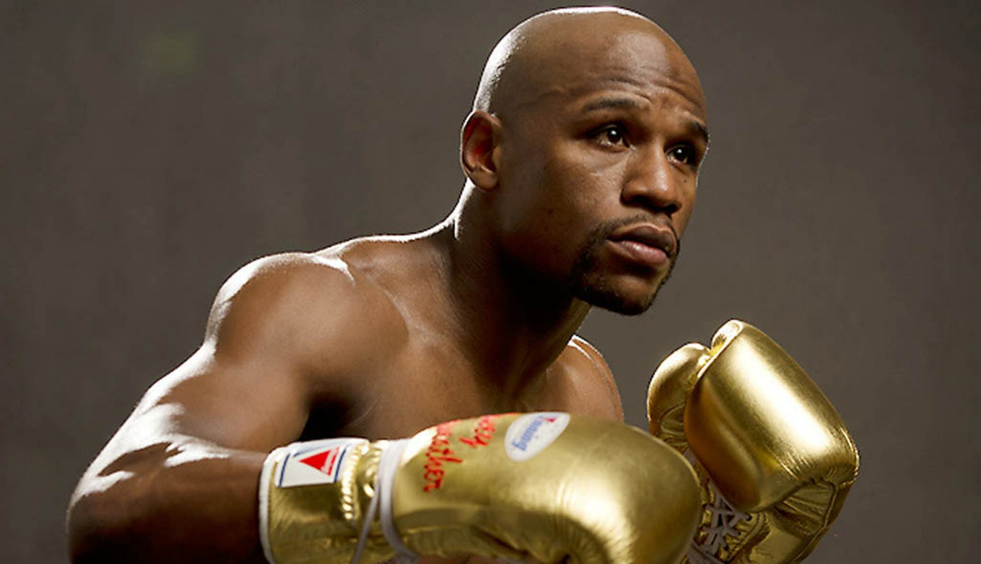 eubank2 Chris Eubank Knows Who His Moneys On In A McGregor Vs Mayweather Street Fight