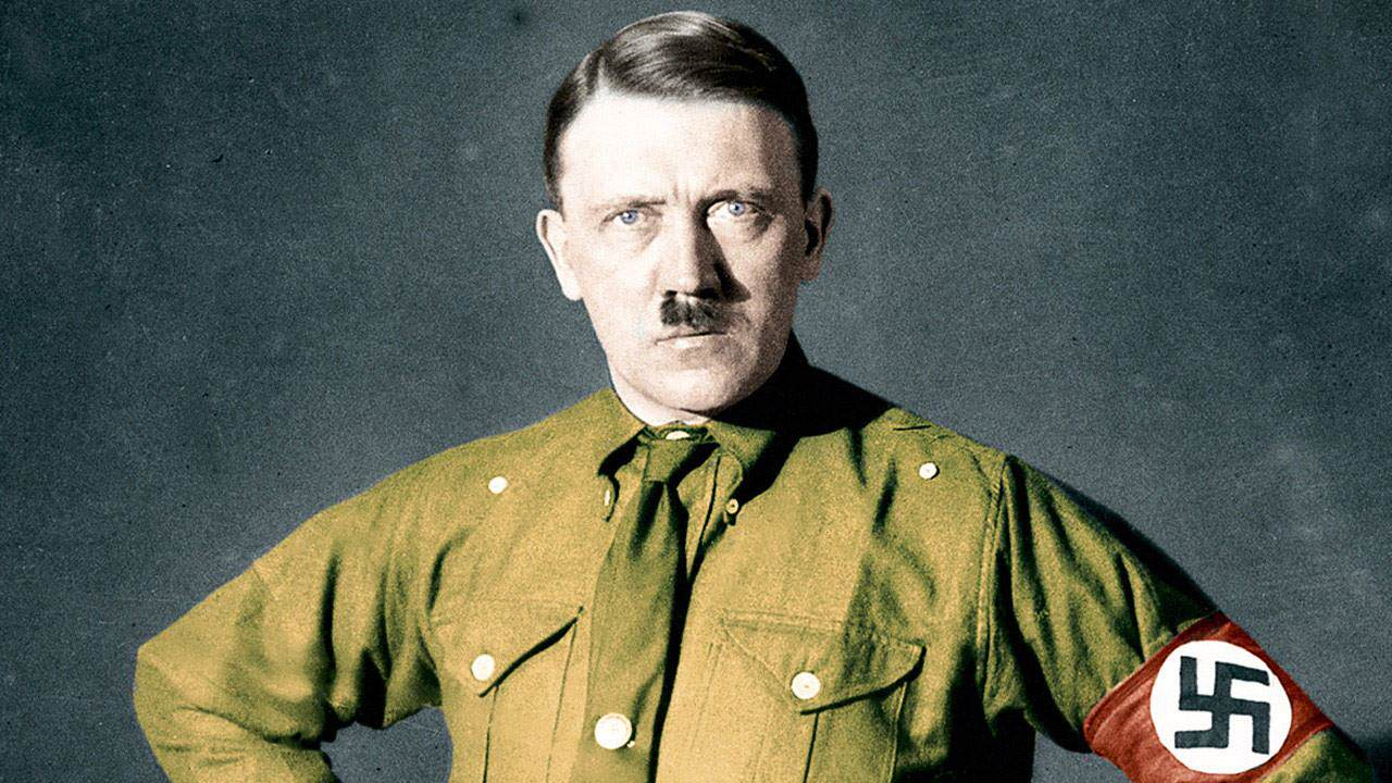 hitler2 CIA Veteran Claims Hitler Faked His Death, Moved To The Canary Islands