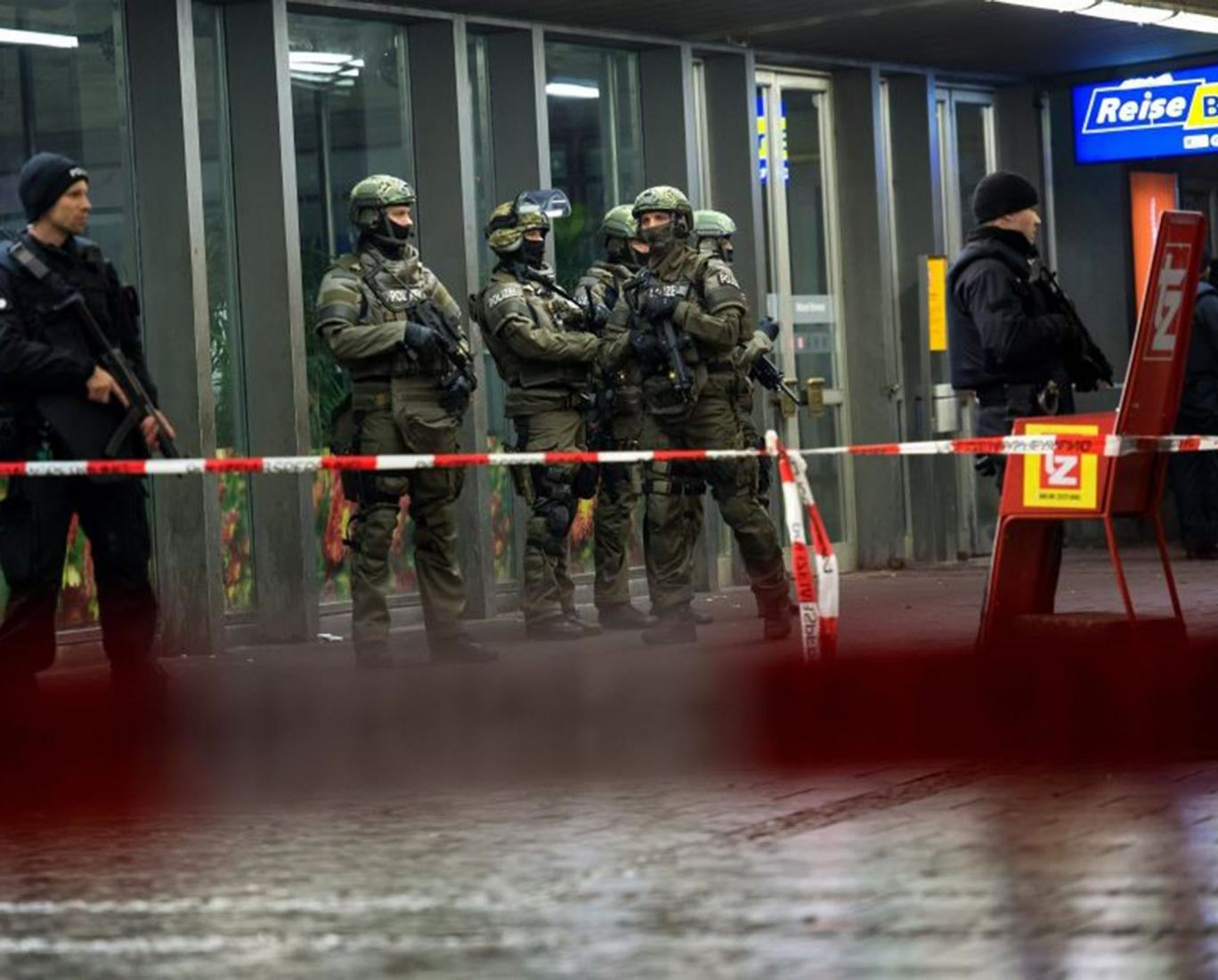 munich Police Evacuate Two Train Stations In Munich After Isis Terror Threat