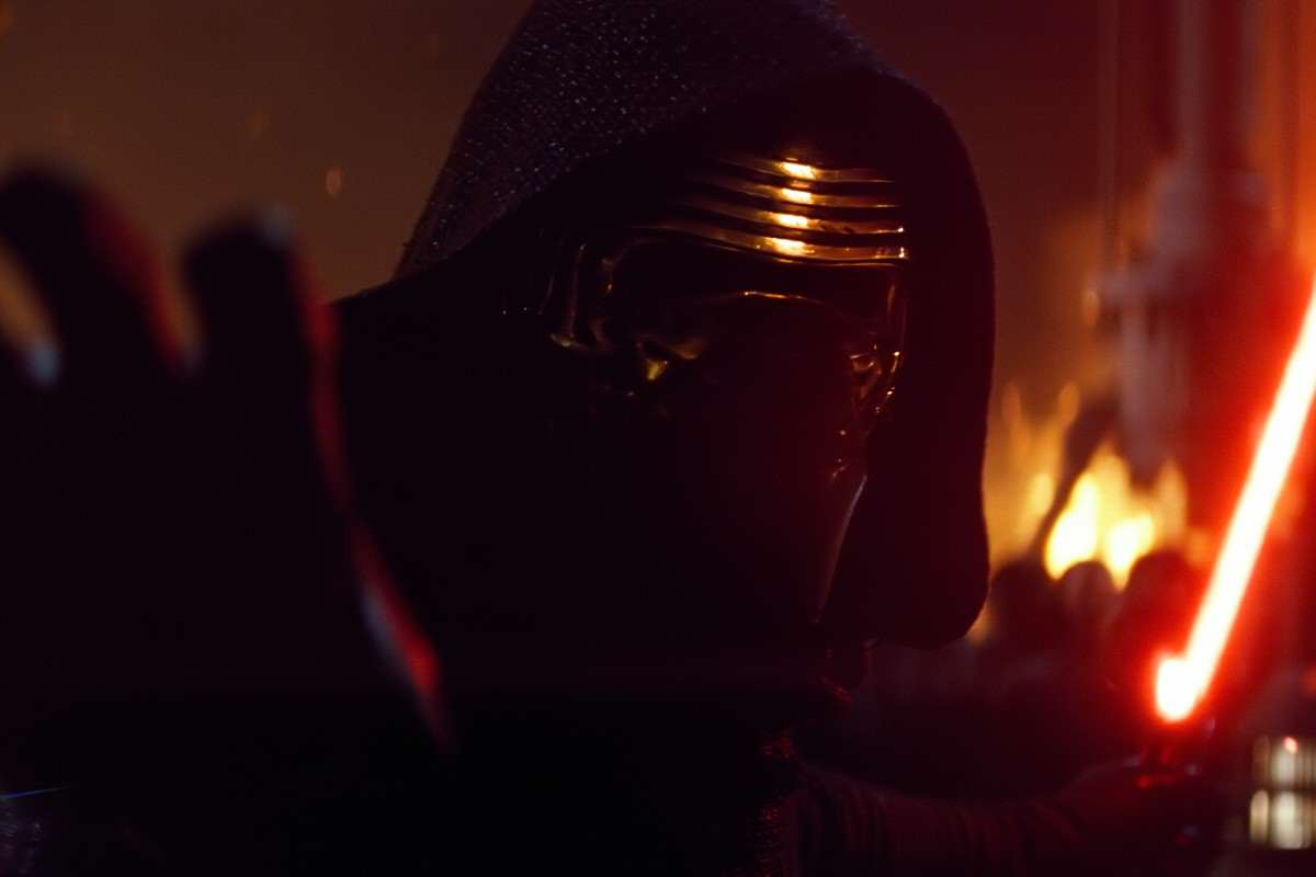 Five Ways That Kylo Ren Is Actually Just A Whiny Emo Teenager KyloIsNotKyboRen TFAT2 4KPub 1200x800