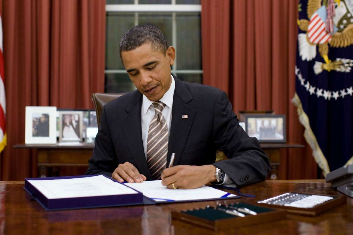This Is How Much Barack Obama Earns A Year Obama signs FDA Food Safety Modernization Act cropped 1200x800