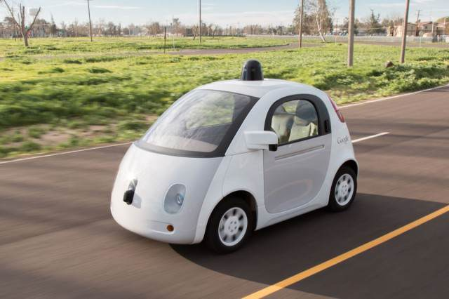 21798665468 dc3cbeb9cb o 640x426 Self Driving Google Car Crashes By Itself For First Time