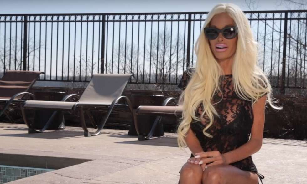 Meet The Woman Whos Spent £350,000 On Surgery To Look Like Barbie barbie