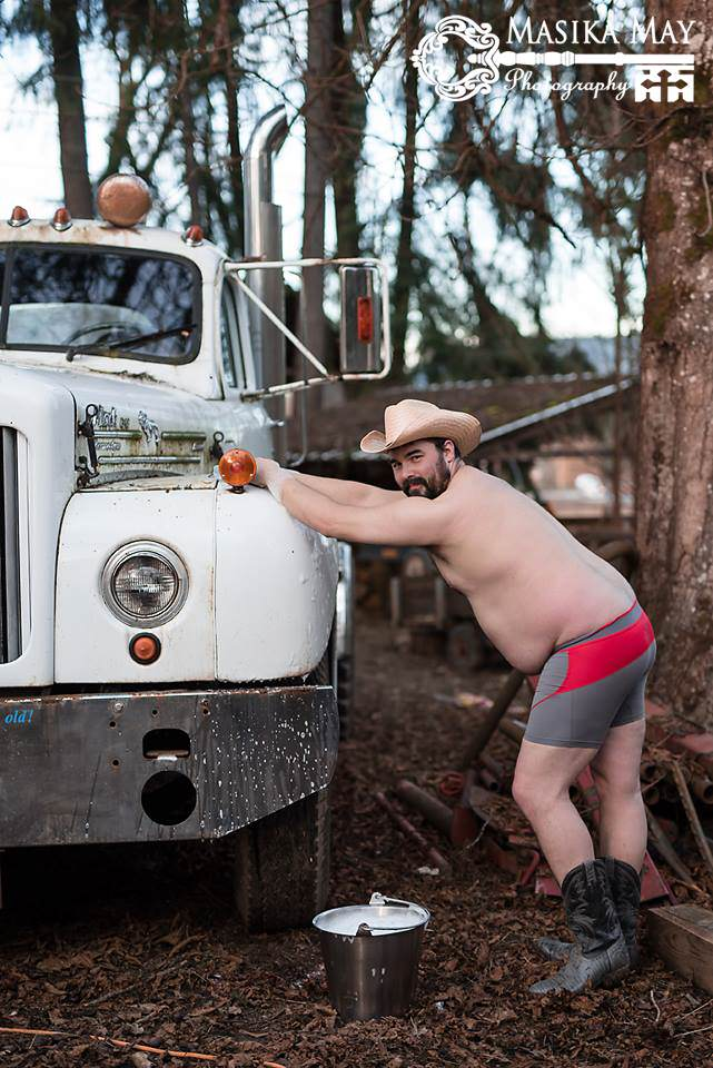dude4 These Dudeoir Photos Brilliantly Challenge Gender Stereotypes