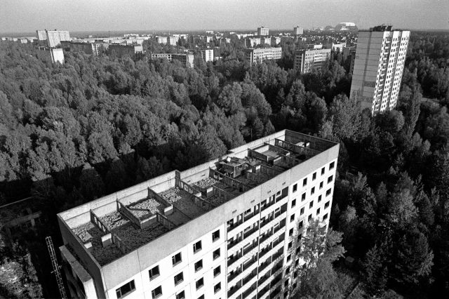 JW 178 640x426 Creepy Photos Show Chernobyl After 30 Years Without Humans