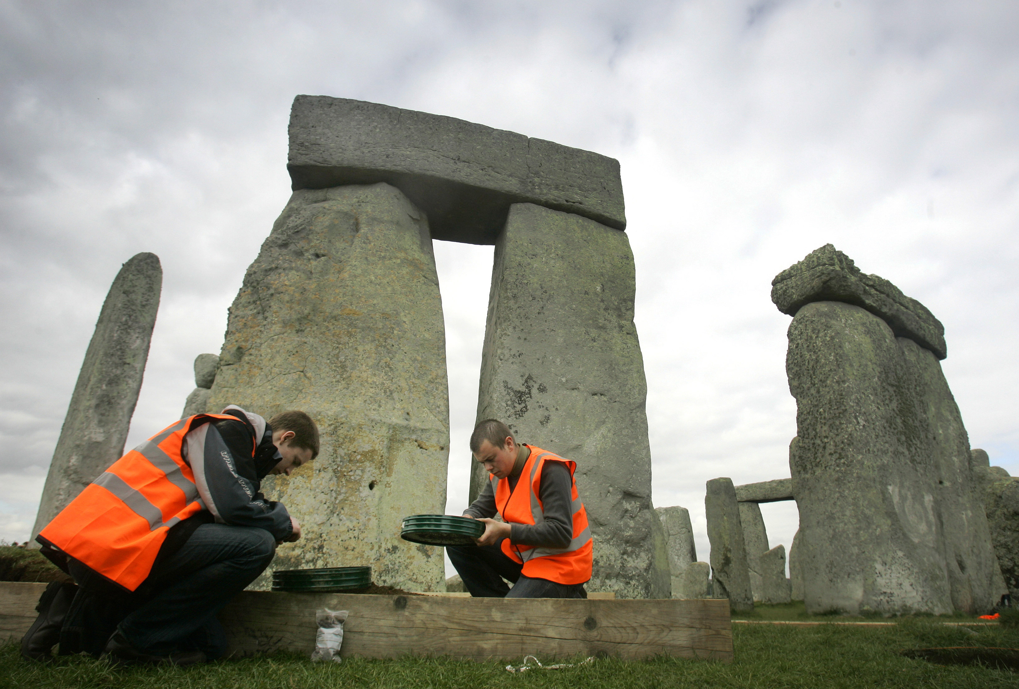 PA 6377731 New Study May Have Revealed The Mystery Of StoneHenge