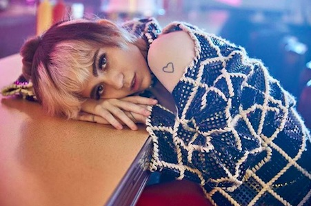 grimes1 Grimes Reveals Numerous Producers Tried To Blackmail Her Into Sex