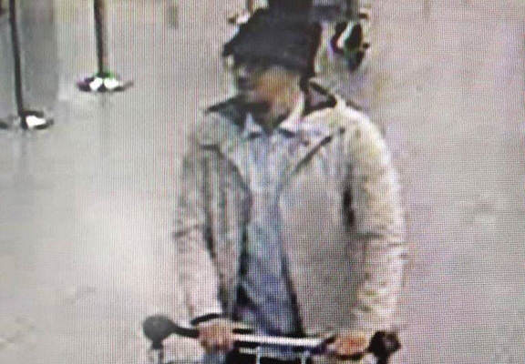 hat web thumb Brussels Attacks: Police Confirm Arrest Of Man In The Hat