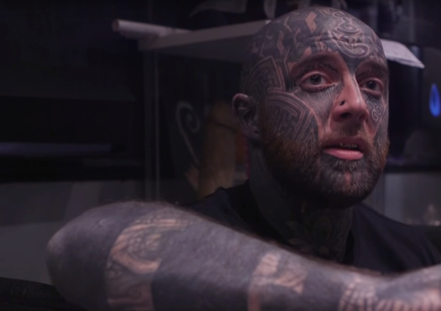 Man Speaks Out About How His Life Changed After Getting Face Tattoo tattooartist2