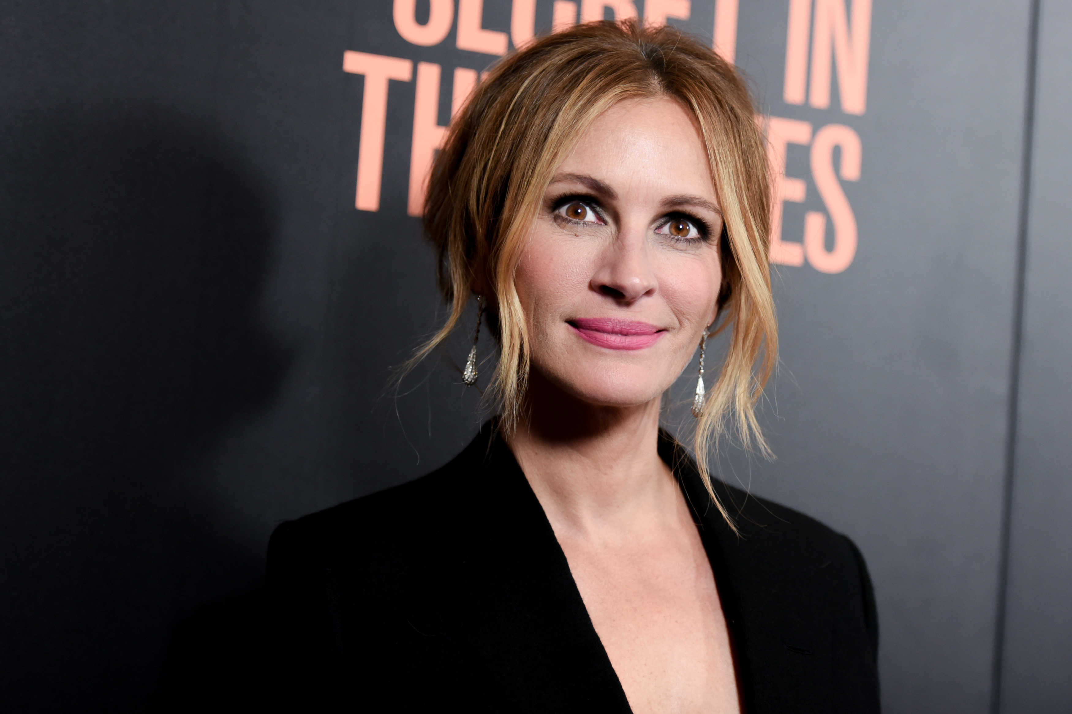 PA 24729750 Heres How Much Julia Roberts Makes In One Day