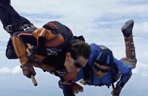 Quidditch1 Skydivers Amazingly Recreate Awesome Game Of Quidditch At 14,000 Feet
