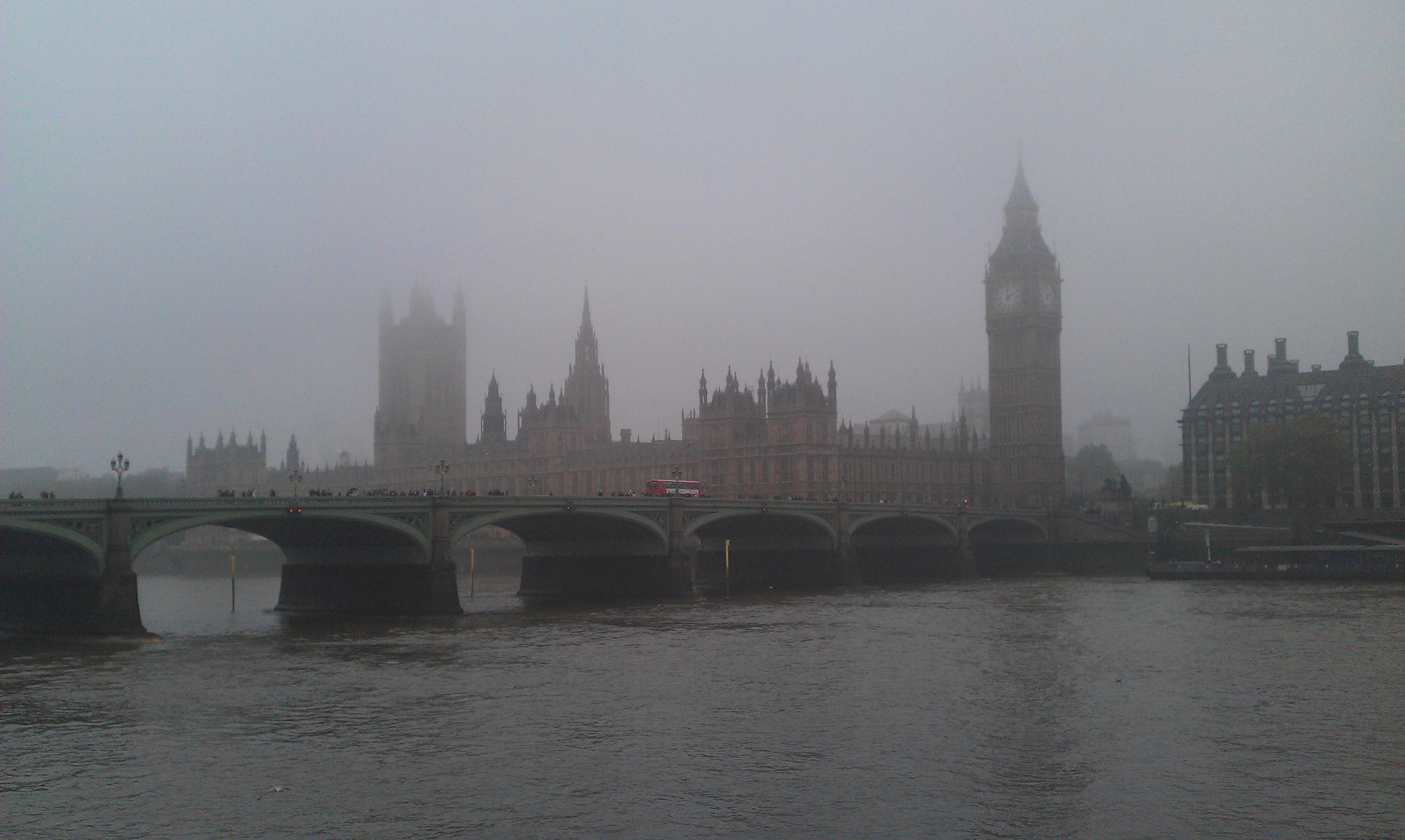 Westminster fog   London   UK New Report Reveals Britain And Irelands Most Polluted Cities
