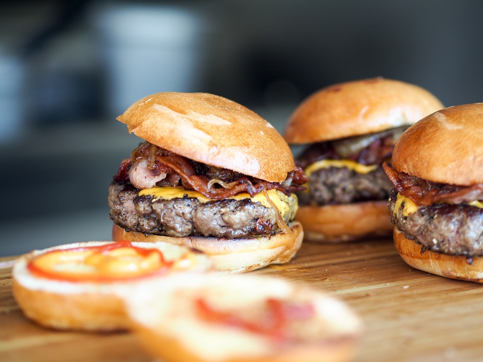 burger1 New Study Reveals Gruesome Stuff Found In Burgers
