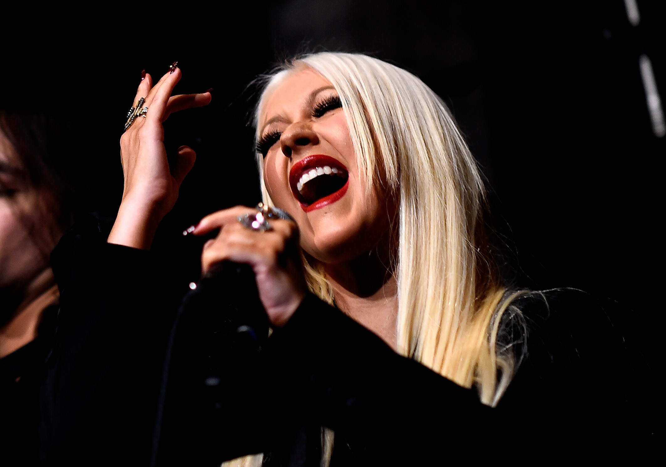 christina1 Christina Aguilera Singing Whitney, Adele And Madonna Is Incredible