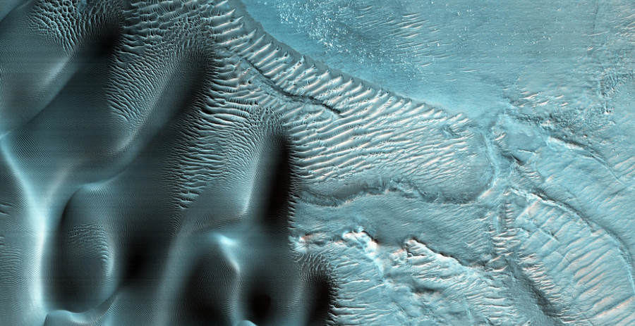 mars blue 4 Incredible Photos Reveal That Parts Of Mars Arent Actually Red