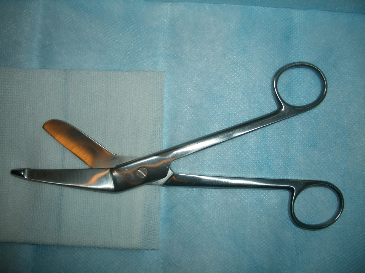 scissors Doctors Reveal Most Amazing Excuses Patients Give For Sex Injuries