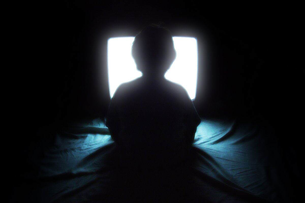 tv wikimedia commons 1200x800 Netflix Is Turning Us All Into Binge Watching Zombies Apparently