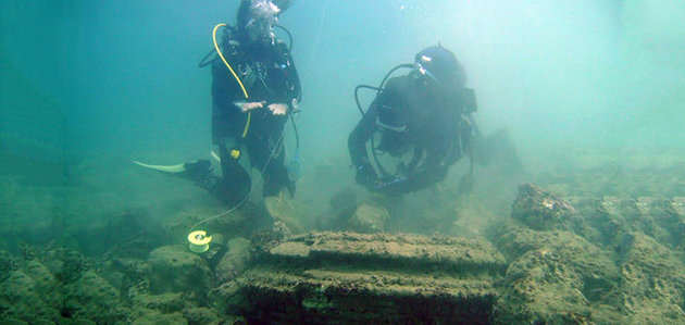 Mother Nature Trolled These Divers Into Thinking Theyd Found A Lost City