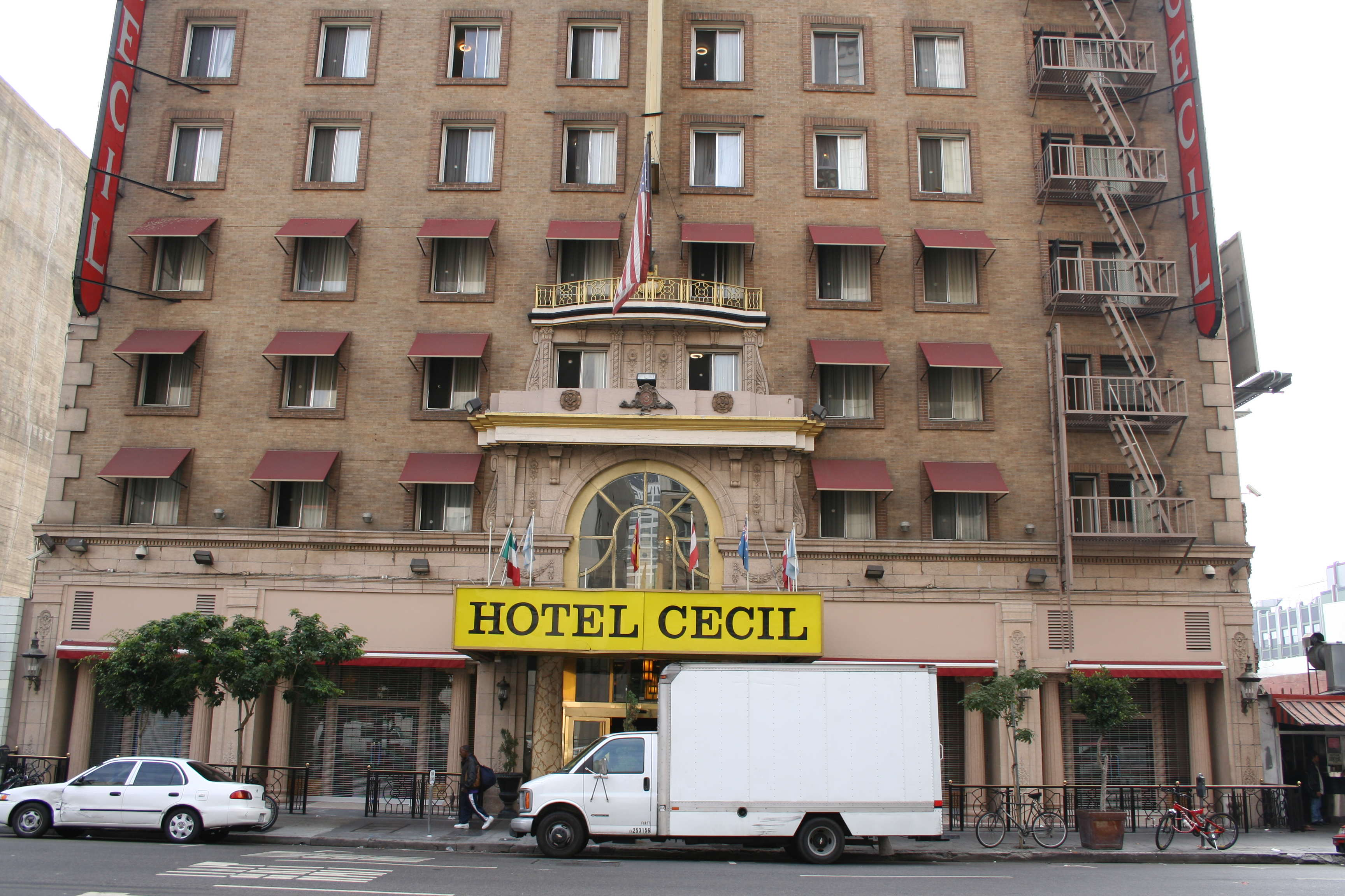 The Dark History Of Americas Most Murderous Hotel Is Creepy AF Cecil Hotel L.A