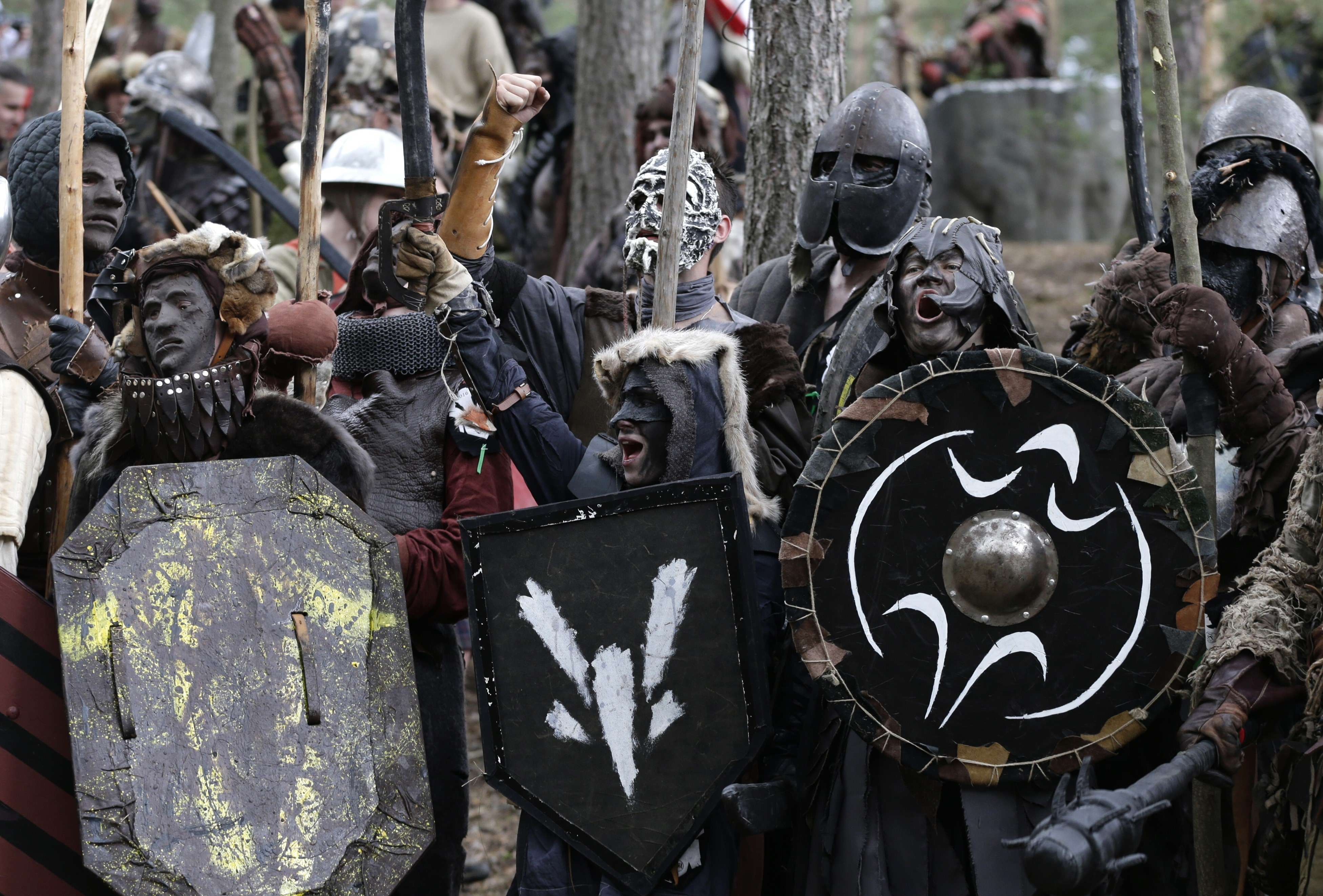 PA 26513469 Hobbit Fans Re Enact The Battle Of The Five Armies And Its Just Incredible