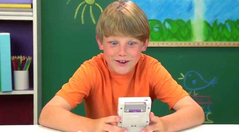 gameboy2 This Awesome Gadget Can Turn Your Phone Into A Game Boy