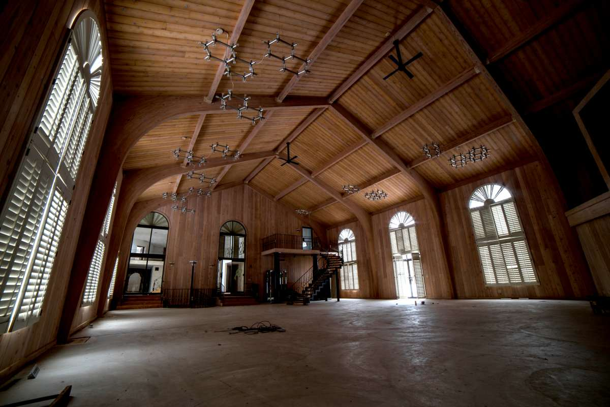 Mike Tysons Abandoned Ohio Mansion Is Spectacular, Take A Look Inside tyson12