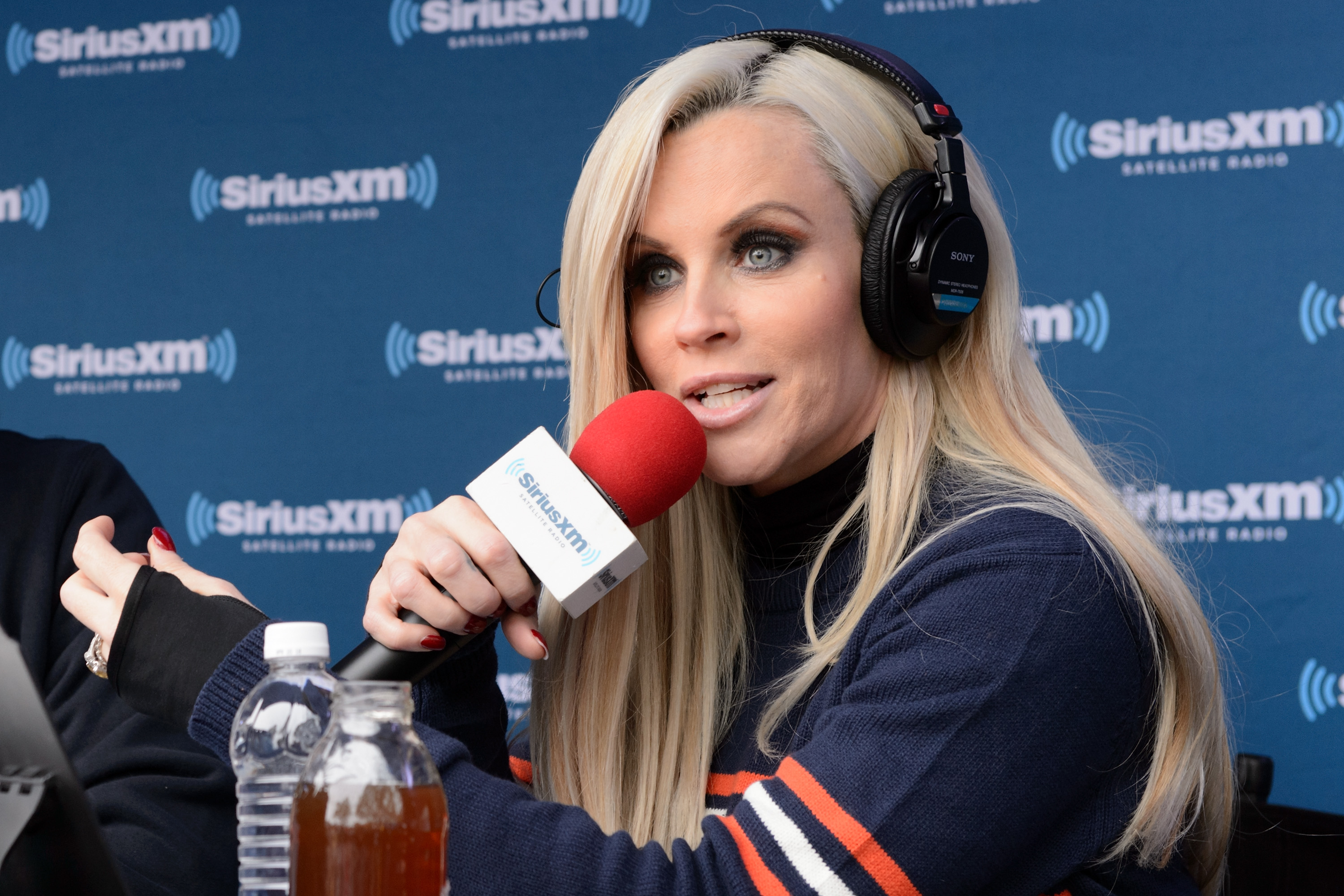 GettyImages 525710564 Tara Reid And Jenny McCarthy Throw Shade In Painfully Awkward Radio Interview