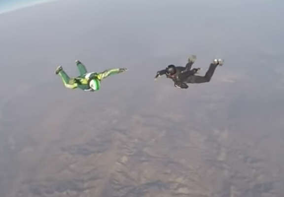 This Absolute Maniac Just Jumped 25,000ft Out A Plane With No Parachute