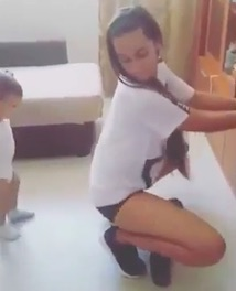 Video Of Woman Twerking With Toddler Is Seriously Dividing Opinion twerk3
